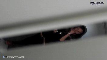 Подглядывание в женском туалете университета