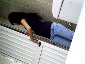 Скрытая камера в туалете www skrito com