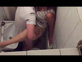 Эротика Туалет Смотреть Бесплатно